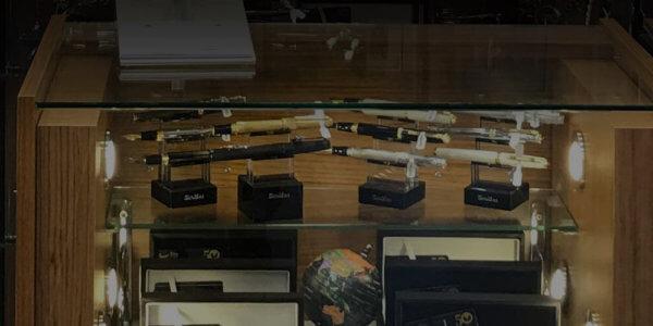 Cam Banko ve Vitrinler - Mağaza Raf Sistemleri